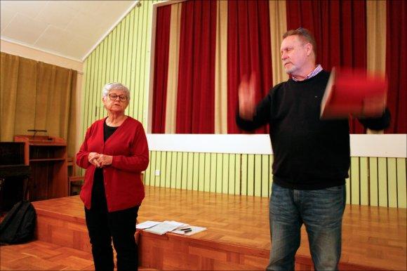 smäktande-musik-Folkets-hus